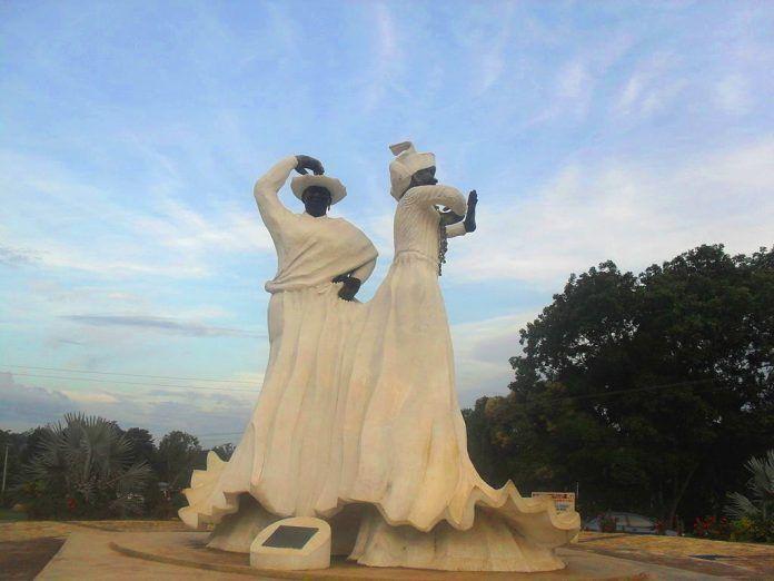 Monumento a la Madamas en El Callao