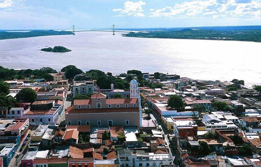 Ciudad Bolívar y el Puente Angostura