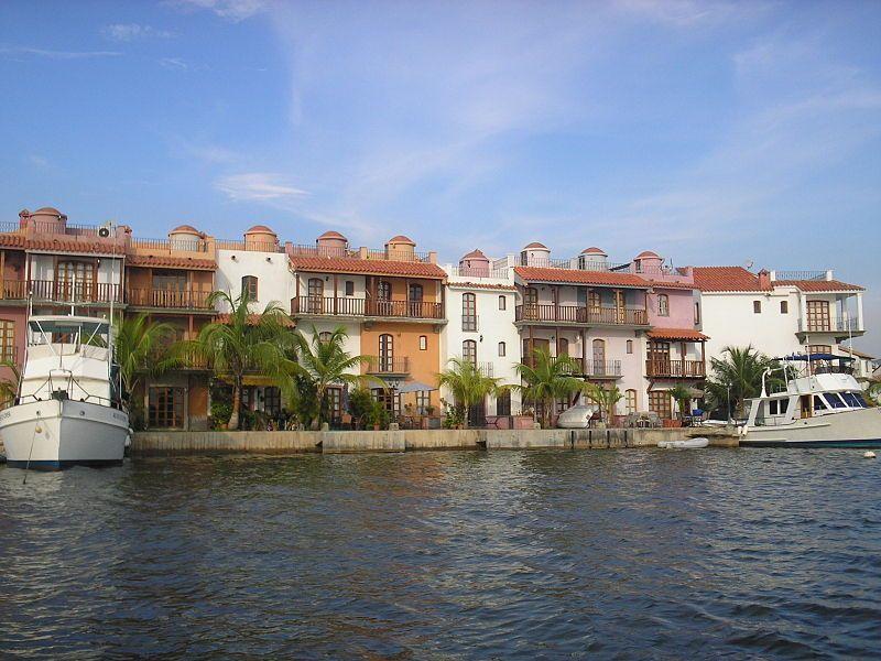 Casas en Puerto Morro
