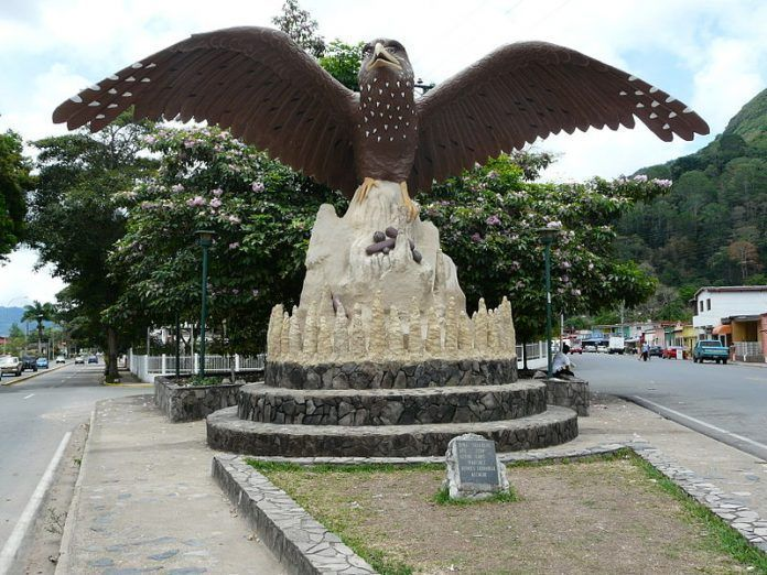 Monumento al Guácharo en Caripe