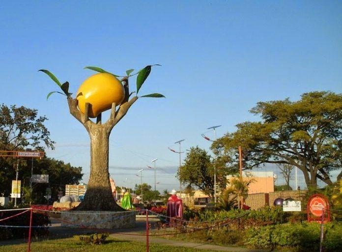Monumento al Mango en San Carlos