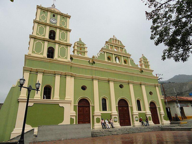 Fachada de la Iglesia de Nuestra Señora de Regla de Tovar