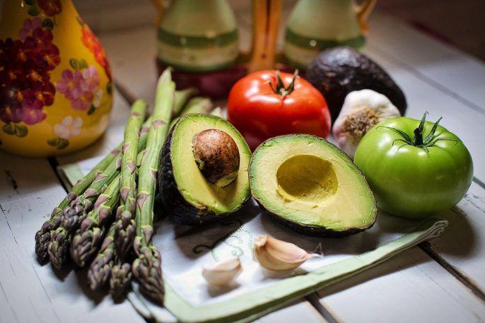 Aguacate y otras hortalizas