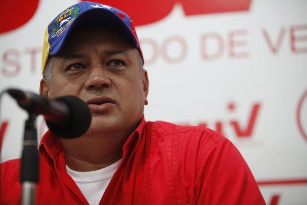 Diosdado Cabello resulta positivo para COVID-19