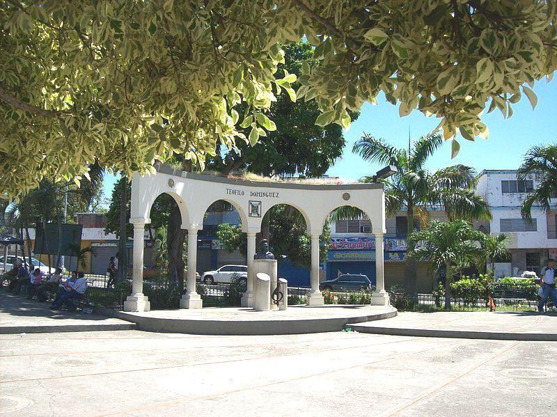 Plaza Teófilo Domínguez o Placita del Mercado