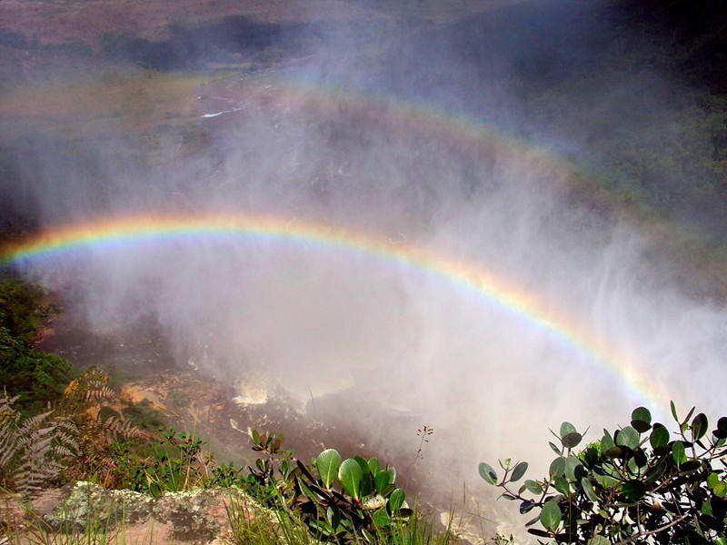Arcoiris en el Salto Aponwao